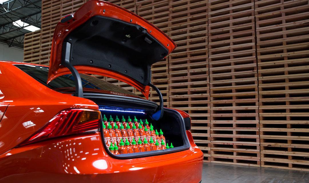 """雷克萨斯做了一辆泰式甜辣酱""""味道""""的车,是真车"""