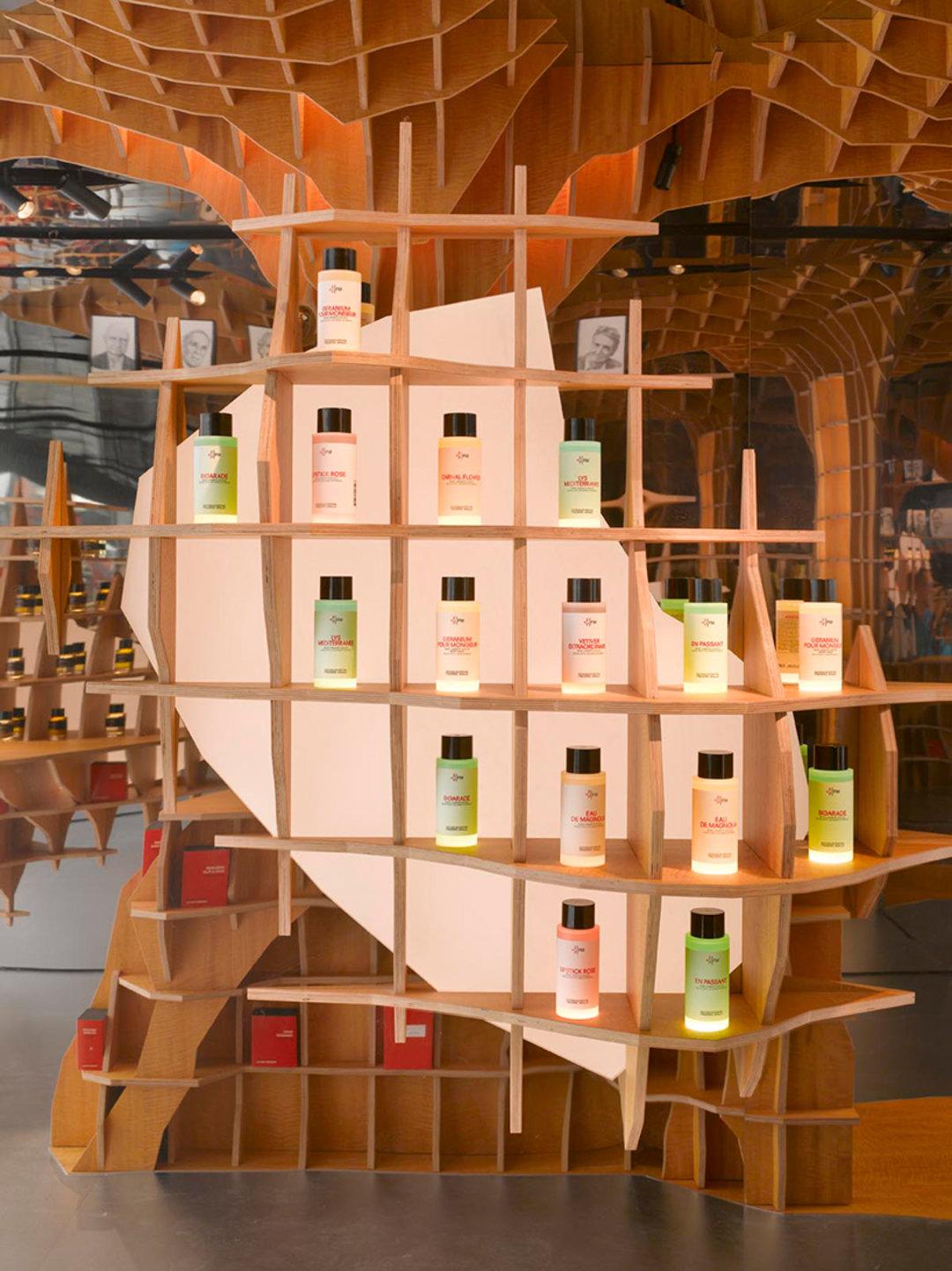 调香师和建筑师的灵感碰撞,结果是这样一家香水店_设计_好奇心日报