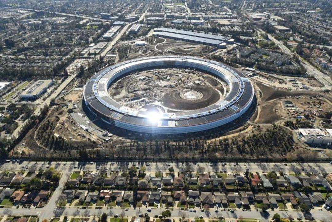 即将完工的苹果新总部,造的过程就像造一台大 iPhone_智能_好奇心日报