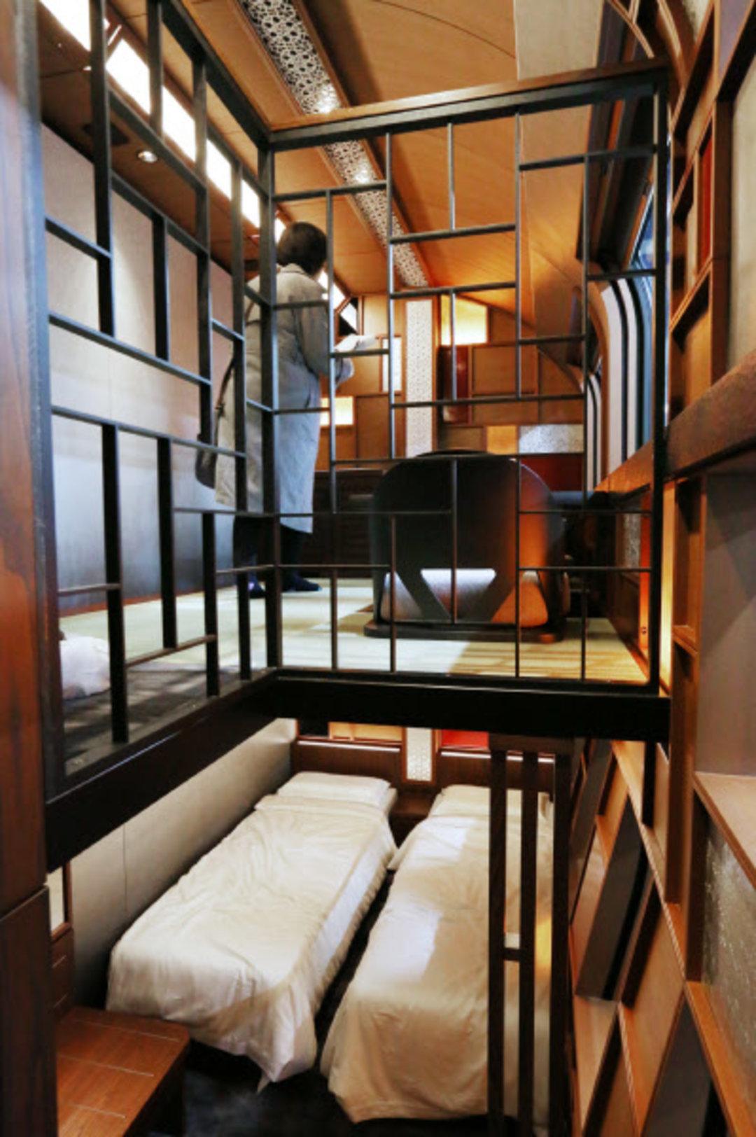 """热衷于列车旅行的日本人,又造了一辆""""行走的豪华酒店""""_设计_好奇心日报"""