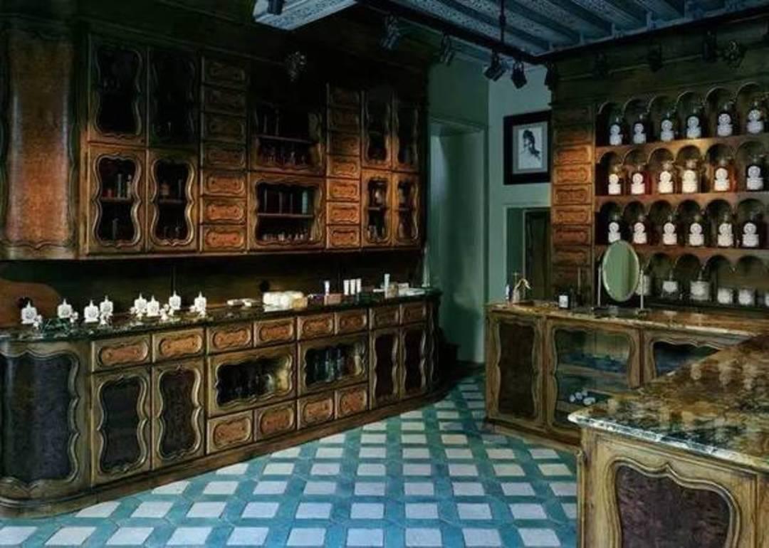 巴黎香氛 Buly 1803 开到东京,就有了现代和传统两种性格_设计_好奇心日报
