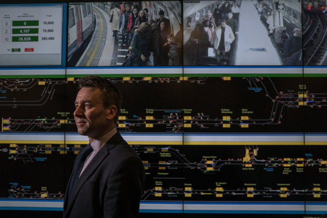 如何更新并改善老旧的地铁服务,纽约正在从伦敦学习经验_文化_好奇心日报