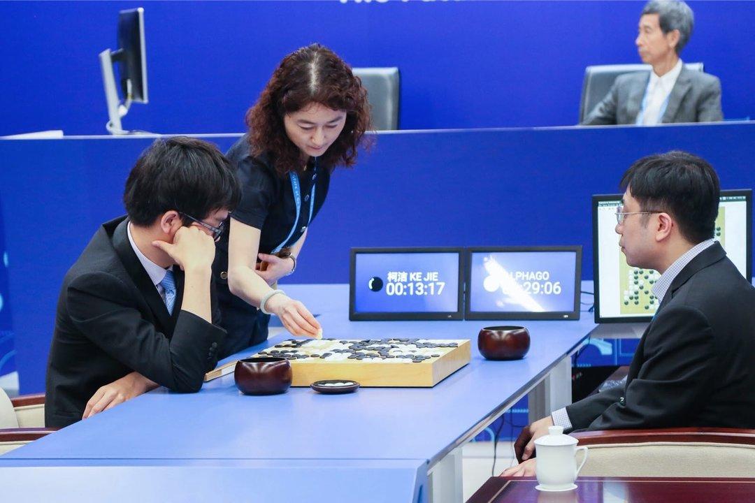 最厉害的人类围棋选手也被电脑打败了。关于人工智能,这里有 38 个你可能感兴趣的事实_智能_好奇心日报