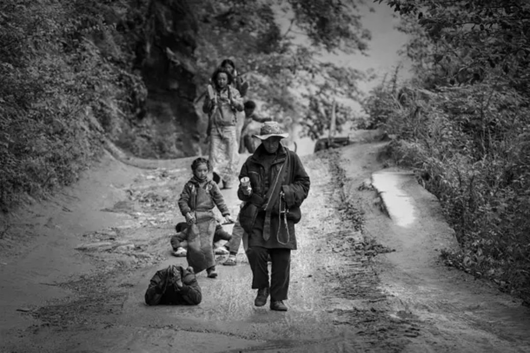 """张扬在西藏花一年拍的《冈仁波齐》,拍的是""""每个人心里一点小愿望""""_娱乐_好奇心日报"""