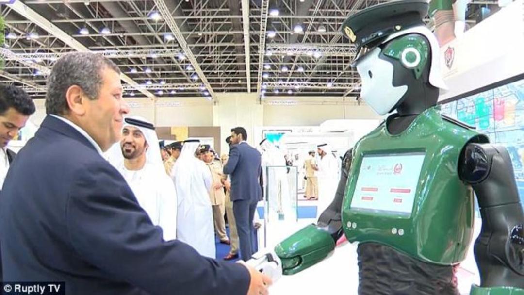 机器人警察之后,迪拜打算用无人车帮警方巡逻了_智能_好奇心日报