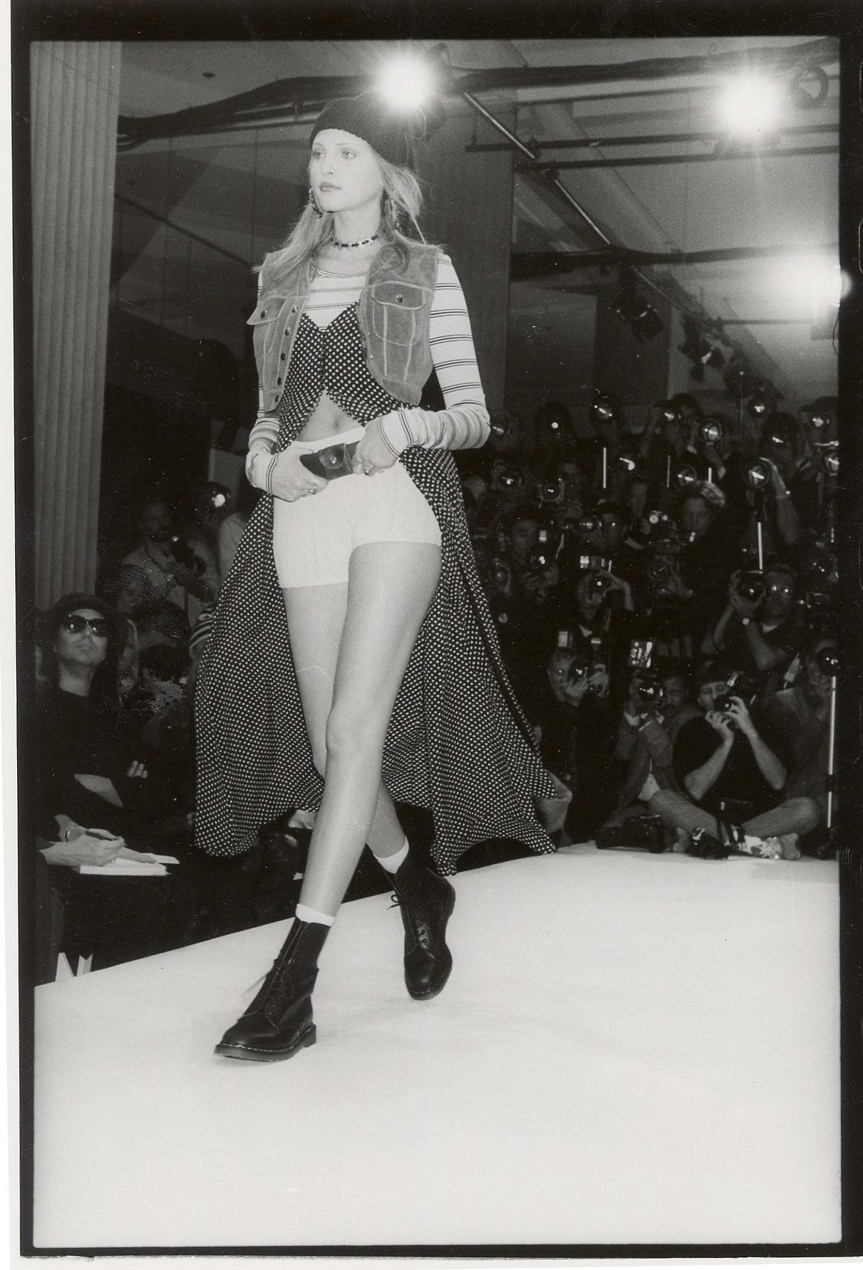 Marc Jacobs  从垃圾摇滚风格时装到进入路易·威登